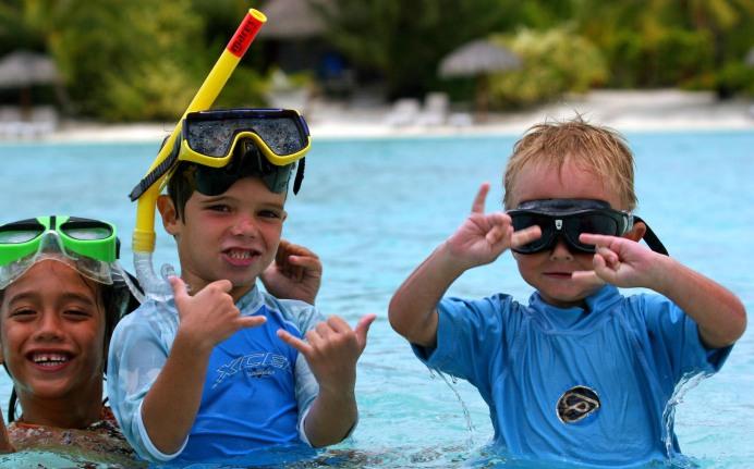 Kids in Tahiti