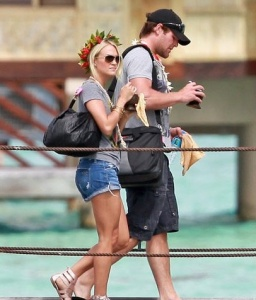 Carrie Underwood & Mike Fisher in Taha'a