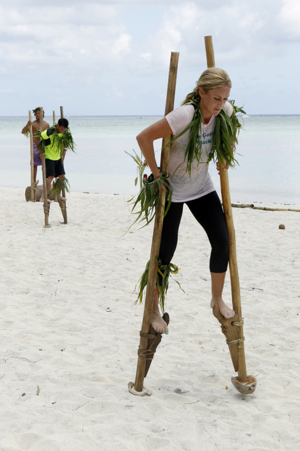 The Amazing Race: Stilt Relay in Bora Bora