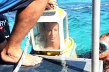The Amazing Race: Helmet Dive in Bora Bora