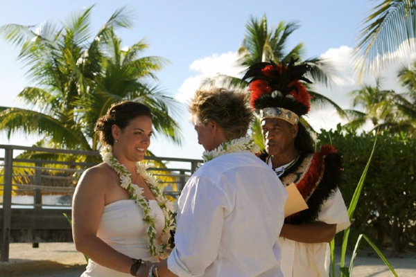 Wedding Ceremony at the InterContinental Bora Bora Resort & Thalasso Spa, Photo: Cathy Graziana